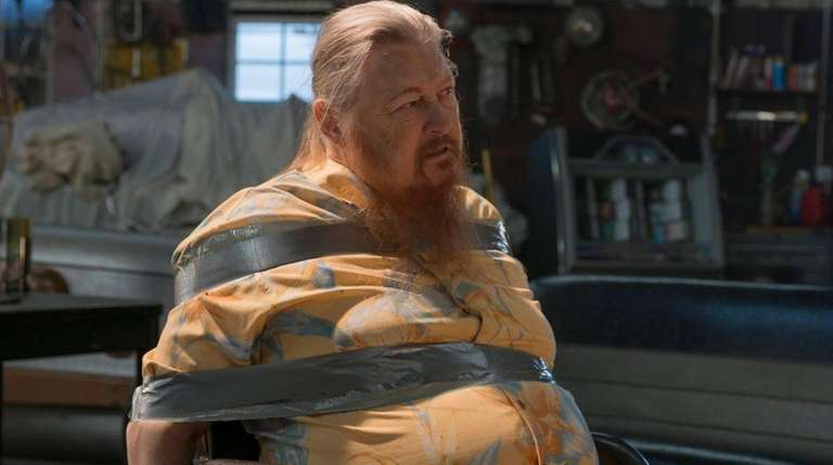 Mickey Jones as Rodney