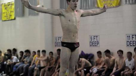 Photo of Half Hollow Hills HS diver Ryan