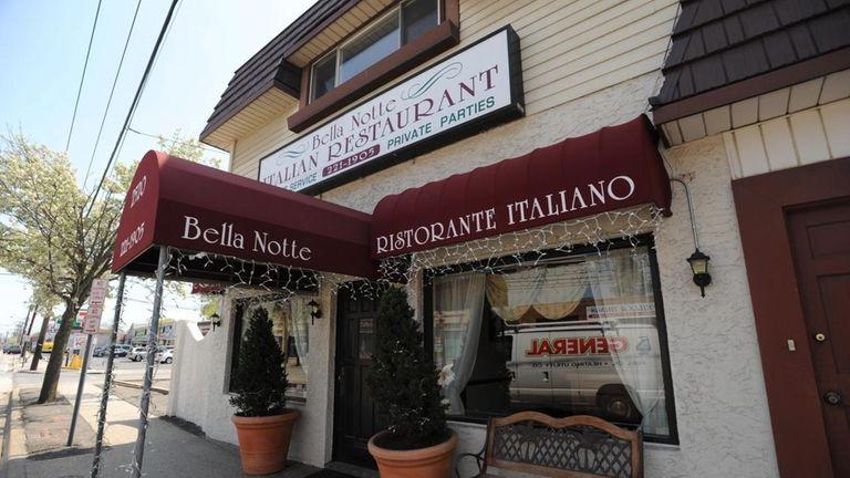 Bella Notte Italian Restaurant At 2520 Merrick Rd