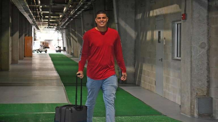 Yankees pitcher Dellin Betances reports for spring training