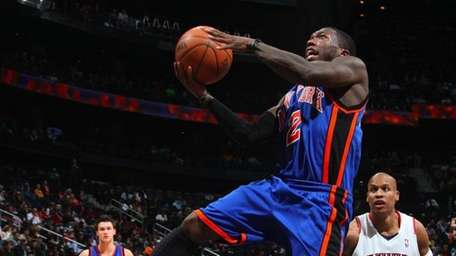 Nate Robinson of the New York Knicks puts