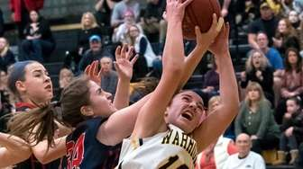 South Side's #34 Ailis DeTommaso and Wantagh's #12