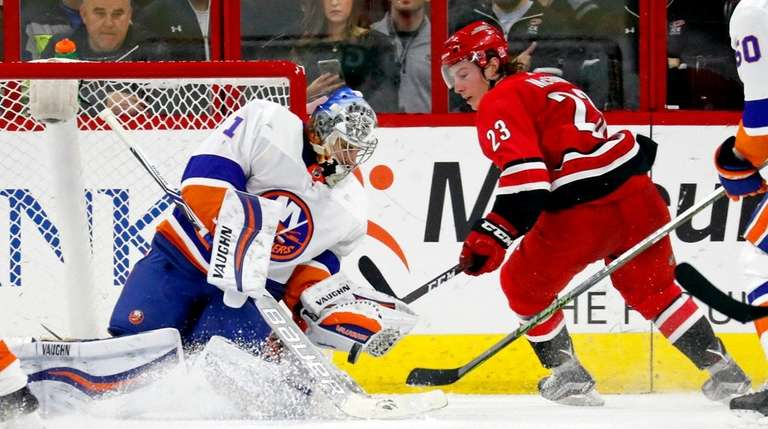 Greiss makes 45 saves in Isles' shutout of Hurricanes