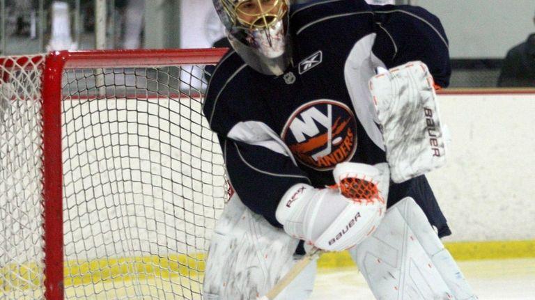 The Islanders have recalled Rick DiPietro from Bridgeport