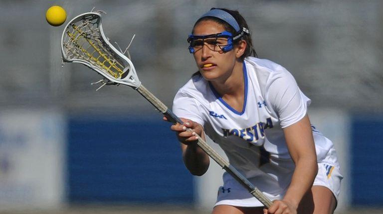 Alyssa Parrella of Hofstra University catches a pass