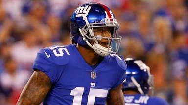 Giants wide receiver Brandon Marshall prepares for a