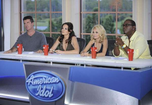 Guest judge Kristin Chenoweth, second from right, joins