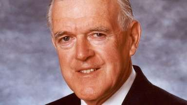 Bernard Kennedy was co-chairman of King Kullen.