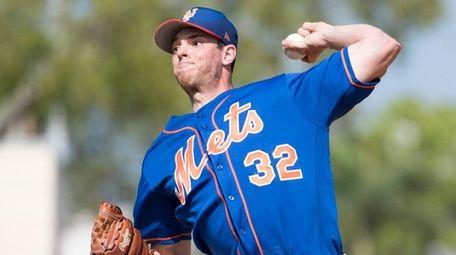 Mets pitcher Steven Matz throws during a spring
