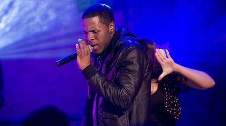 Jason Derulo performs on the set of MTV's