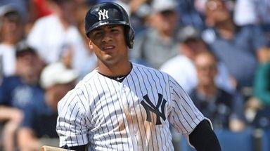 Yankees second baseman Gleyber Torres batd during a