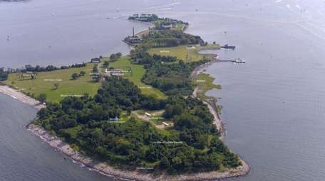 Hart Island aerial view from the north.