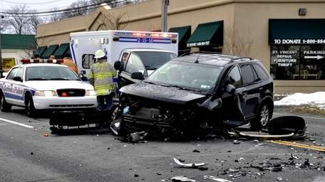 Four cars traveling on Jericho Turnpike collided in