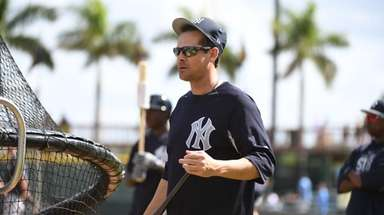 New York Yankees Aaron Boone before the start
