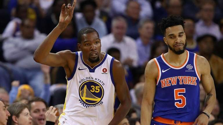ca59d8a99 Knicks have stars in their eyes as they face Golden State