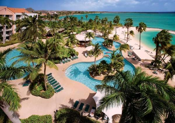 Overview of the pool at the Renaissance Aruba