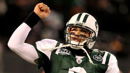 Jets quarterback Mark Sanchez celebrates a touchdown by