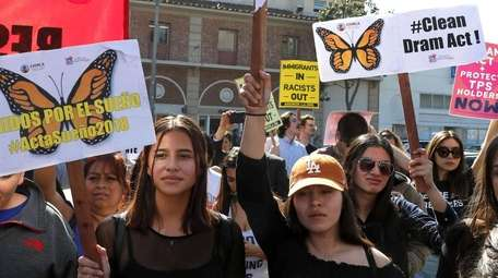 Dreamers rally to keep DACA protection in Los