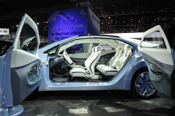 Front and rear doors of the Hyundai Blue