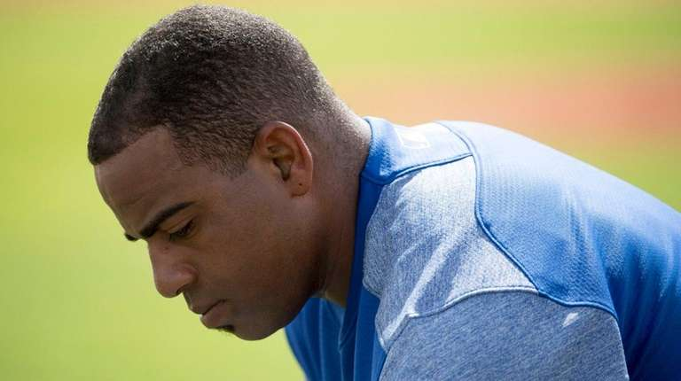 Mets outfielder Yoenis Cespedes looks on during a