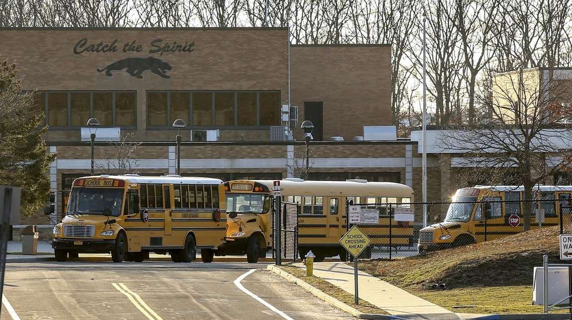 Miller Place schools hire 4 ex-NYPD cops as armed guards   Newsday
