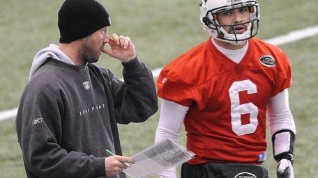 Jets offensive coordinator Brian Schottenheimer and quarterback Mark
