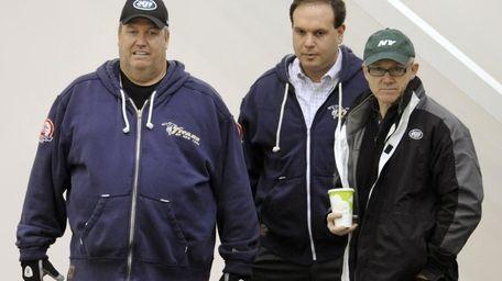 New York Jets coach Rex Ryan, left, general