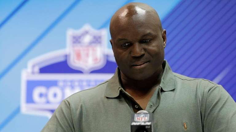 Jets head coach Todd Bowles speaks at the