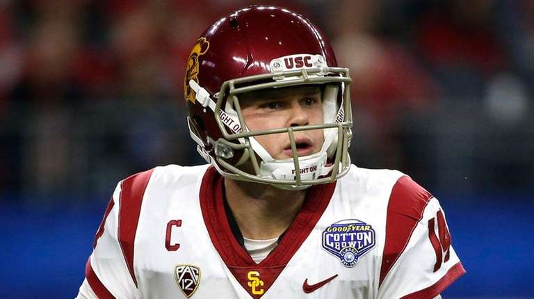 Sam Darnold of the USC Trojans looks to