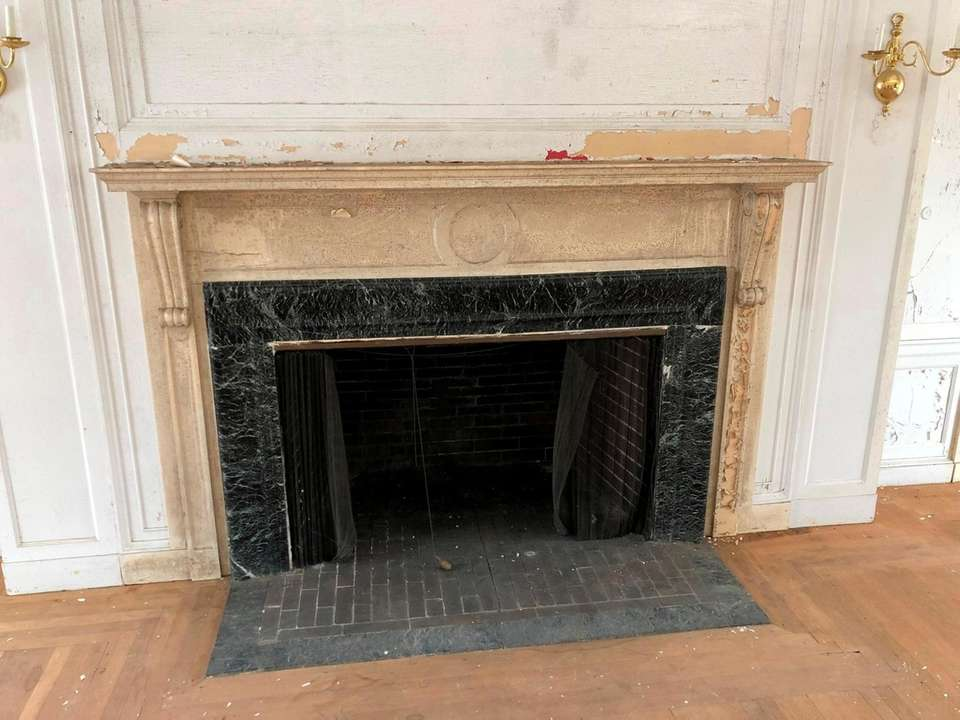 Fireplace in reception hall.