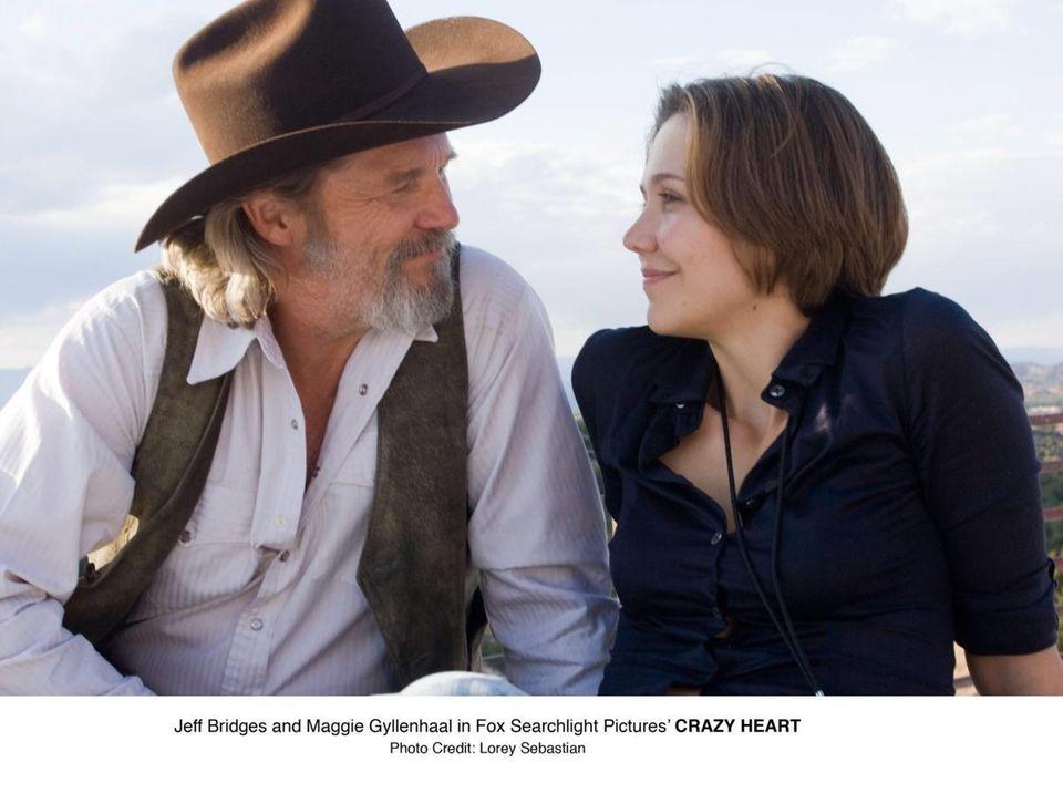 Jeff Bridges and Maggie Gyllenhaal in