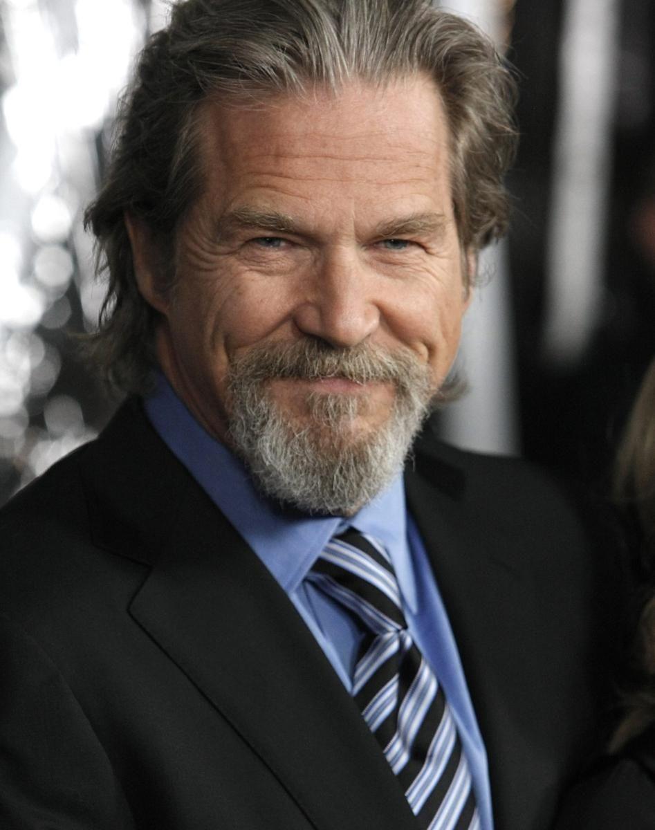 Actor Jeff Bridges arrives at the premiere of