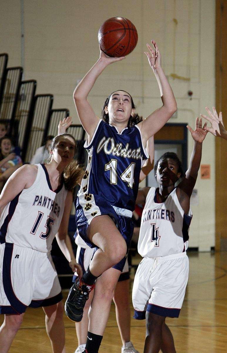Shoreham's Samantha Villafranca finshes a fast break with