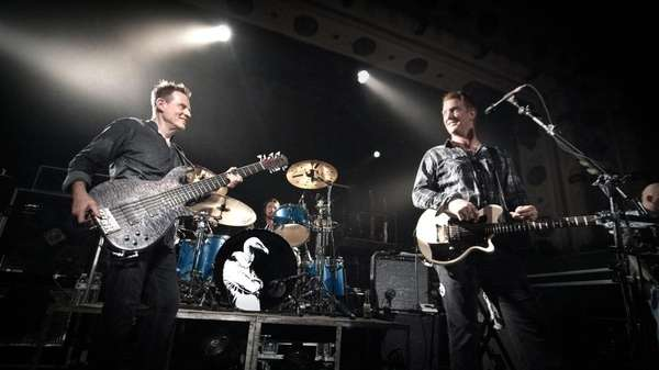 Them Crooked Vultures performs in Chicago on Aug.