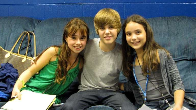 Pop singer Justin Bieber with Kidsday reporters, from