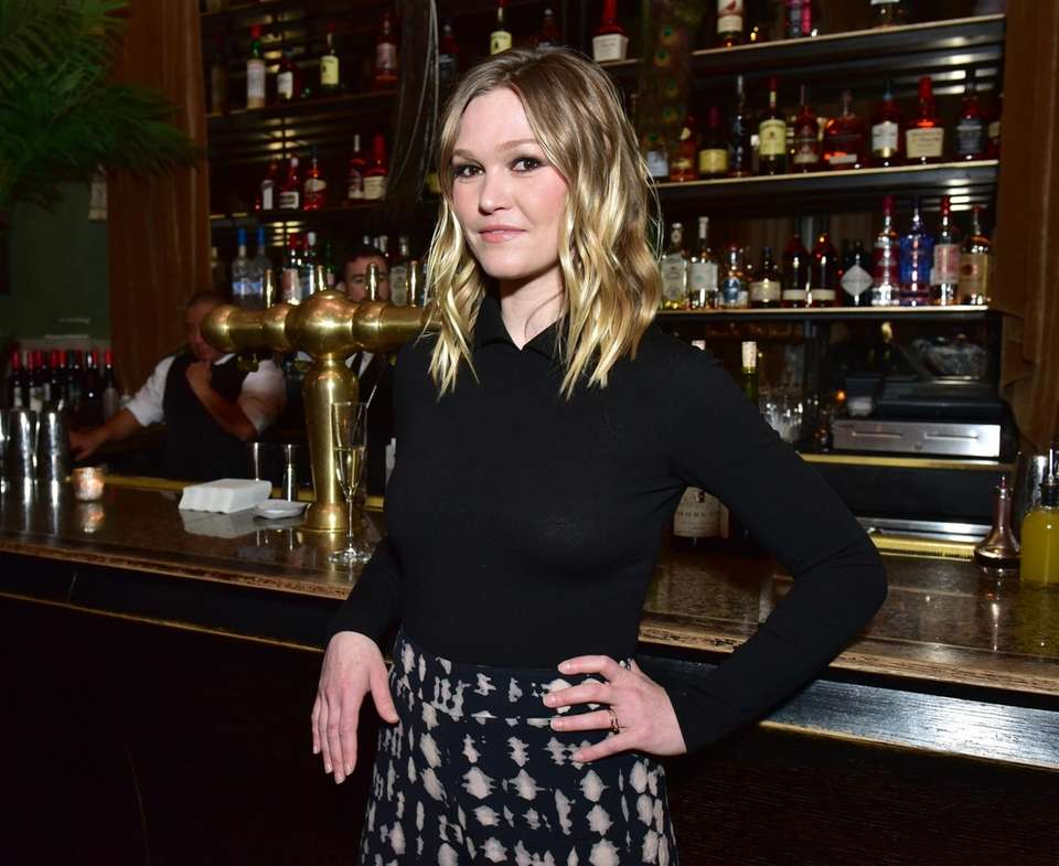 Actress Julia Stiles attends Ovation TV Hosts 2018-2019