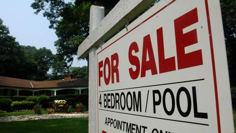South Huntington-June 27, 2007: For Sale sign listing