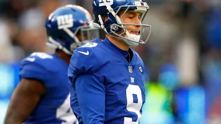 Brad Wing of the New York Giants looks