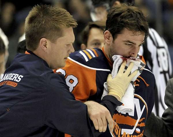Islanders defenseman Jack Hillen will miss 6-8 weeks