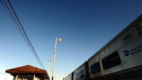 Wyandanch LIRR station (Dec. 17, 2009)