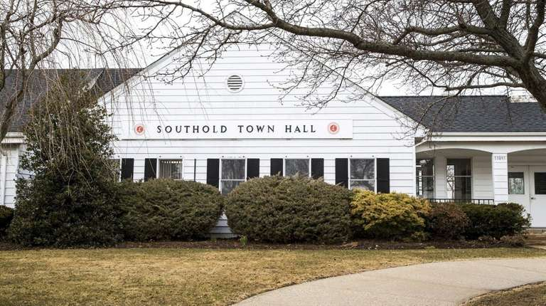 Southold Town officials plan to relocate town justice