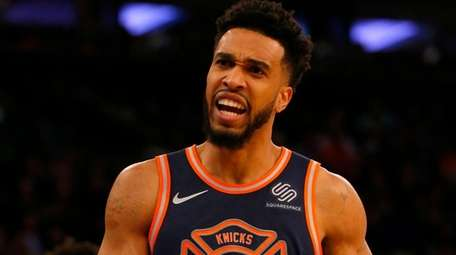 Knicks guard Courtney Lee reacts during a game