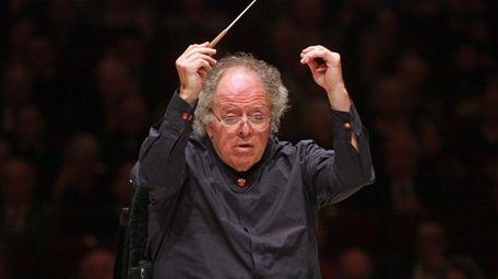 James Levine leads the Metropolitan Orchestra at Carnegie