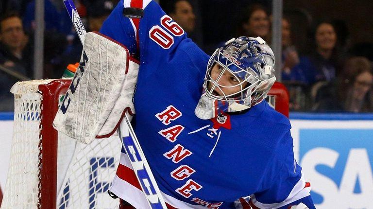 Alexandar Georgiev of the New York Rangers makes