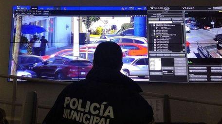 Mexican police monitor activity using Vicon Industries cameras.