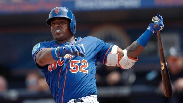 Mets leftfielder Yoenis Cespedes bats against the New