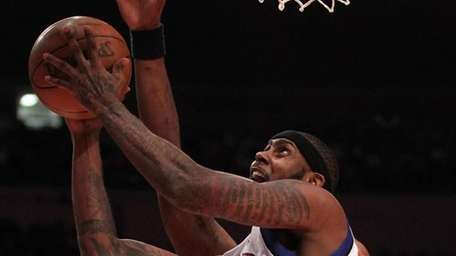 Larry Hughes #0 of the New York Knicks