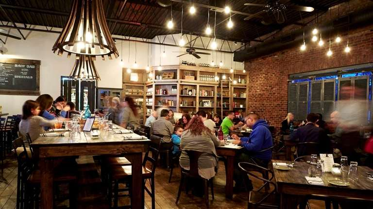 Beginnings Bar & Restaurant in Atlantic Beach on