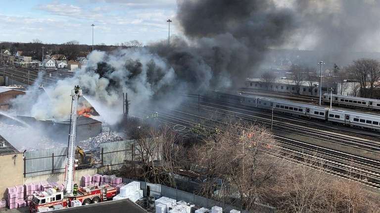 Massive fire in NY triggered by improperly disposed Lithium battery