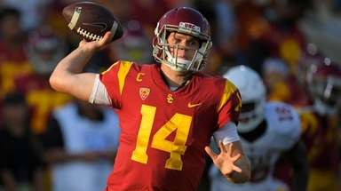 USC quarterback Sam Darnold throws against Texas on
